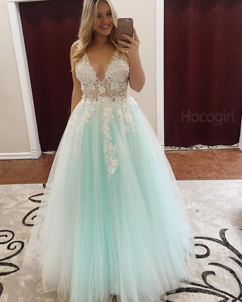 Deep V-neck Appliqued Handmade Flowers Light Green Tulle Prom Dress pd1513