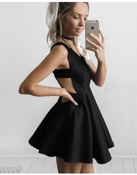 Simple Black Satin Deep V-neck Pleated Homecoming Dress with Cutout Waist HD3027
