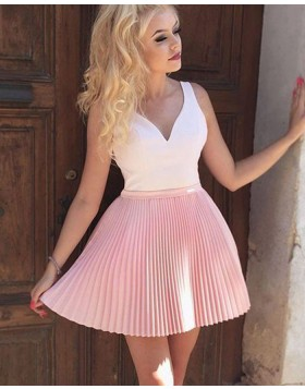 White and Pink Pleated V-neck Short Homecoming Dress with Appliqued Back HD3420