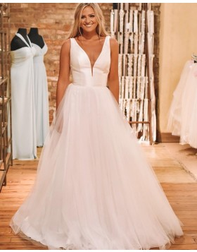 Simple V-neck Pleated White Tulle Wedding Dress NWD2111