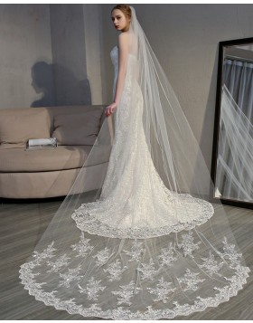 Ivory Applique Edge Chapel Length Bridal Veil TS18007