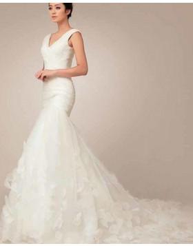 V-neck Ruched Ivory 3D Flower Mermaid Wedding Dress WD2189