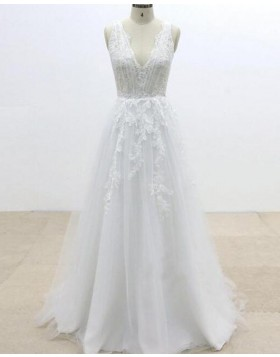 V-neck Lace Applique White Tulle Wedding Dress WD2243