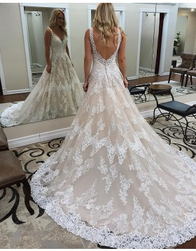 V-neck Vintage Lace Wedding Dress with Court Train WD2278