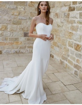 Simple Sweetheart White Satin Mermaid Wedding Dress for Fall