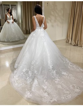 V-neck Lace White Tulle A-line Wedding Dress WD2405