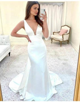 Simple V-neck Satin Sheath Wedding Dress WD2417